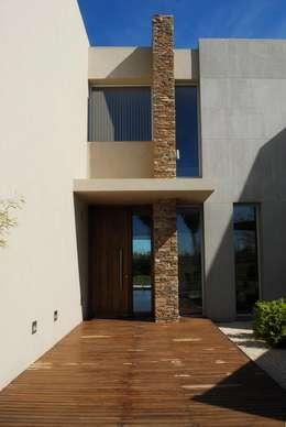 Casas de estilo moderno por dmejecuciondeobras