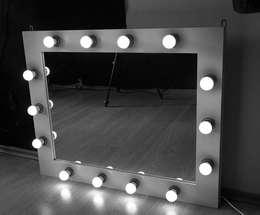 Lustro drewniane z oświetleniem LED: styl , w kategorii Garderoba zaprojektowany przez ZAP project