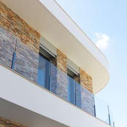 Casas modernas por SOUSA LOPES, arquitectos