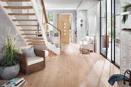 Pasillos y hall de entrada de estilo  por Elfa Deutschland GmbH