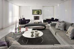 Sala Estar/TV: Sala de estar  por Fernanda Andrade Arquitetura e Interiores