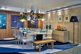 tropical Dining room by Haifatto Arq + Decor