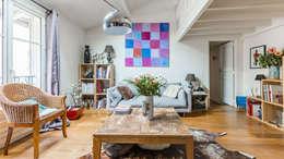 Bois: Salon de style de style Classique par PictHouse