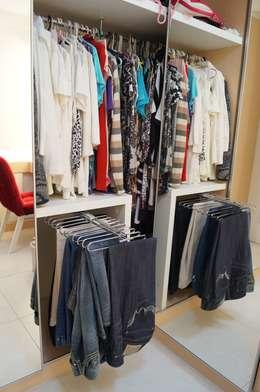 Vestidores y closets de estilo moderno por Catharina Quadros Arquitetura e Interiores