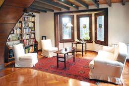 ausgefallene Wohnzimmer von Radrizzani Rioja Arquitectos