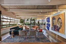 Salas de estilo minimalista por Piratininga Arquitetos Associados