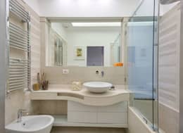 modern Bathroom by SERENA ROMANO' ARCHITETTO