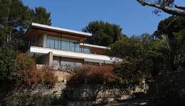 Villa M1: Maisons de style de style Moderne par frederique Legon Pyra architecte