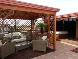 Minispa: Balcone, Veranda & Terrazzo in stile  di RicreArt - Italmaxitetto