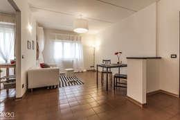 HOME STAGING_Caramello: Soggiorno in stile in stile Moderno di Michela Galletti Architetto e Home Stager
