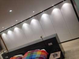 modern Bedroom by Nestor Services