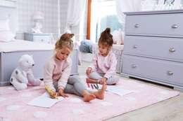 Miejsce do zabawy: styl , w kategorii Pokój dziecięcy zaprojektowany przez Caramella