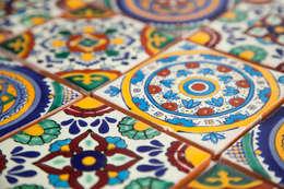 Paredes y suelos de estilo  por Kolory Meksyku