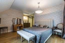 Загородный дом в Комарово: Спальни в . Автор – Fusion Design