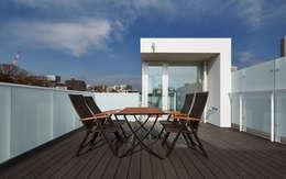 白金台の家: 有限会社 オープンハウスが手掛けたです。