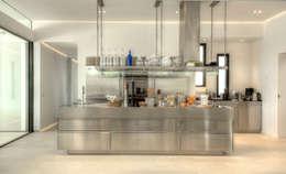 Projekty,  Kuchnia zaprojektowane przez MG&AG.ARQUITECTOS