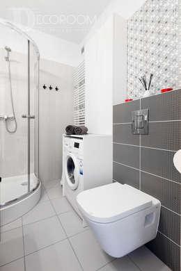 Baños de estilo moderno por Decoroom