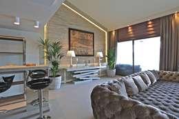 Salas de estar modernas por Kerim Çarmıklı İç Mimarlık