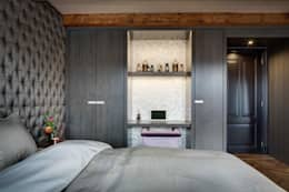 Canal Loft Amsterdam: moderne Slaapkamer door Ethnic Chic Home Couture