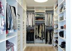 غرفة الملابس تنفيذ criarprojetos | ARQUITETURA . INTERIORES . ENGENHARIA