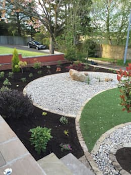 Taman by Anne Macfie Garden Design