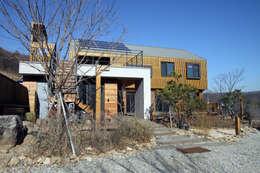 Дома в . Автор – 비온후풍경 ㅣ J2H Architects