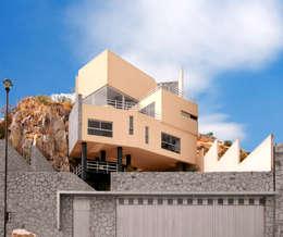 Casa M: Casas de estilo moderno por alexandro velázquez