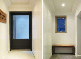 유니크&컬러풀 인테리어의 완성!: 필립인테리어의  창문