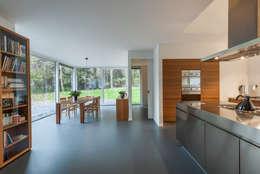 modern Dining room by Maas Architecten