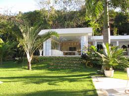 Casas de estilo moderno por Escritório Ana Meirelles