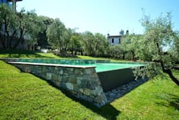 Piscinas de estilo  por Architetto Serena Lugaresi
