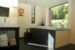 Projekty,  Łazienka zaprojektowane przez Noesser Padberg Architekten GmbH