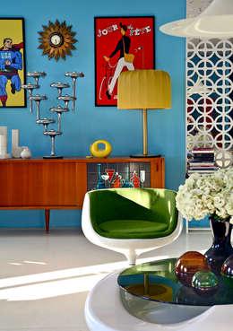 Baltic Design Shop: eklektik tarz tarz Oturma Odası