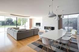 Столовые комнаты в . Автор – Raulino Silva Arquitecto Unip. Lda