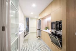 Cocinas de estilo minimalista por DonateCaballero Arquitectos