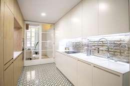 DonateCaballero Arquitectos: minimal tarz tarz Mutfak