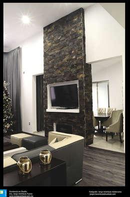 Paredes y muros de piedra 13 ideas modernas y elegantes for Piedra para muros interiores
