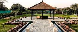 G HOUSE: tropical Garden by Studio A