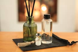 hand made soy candle & diffuser : harvesters의  거실
