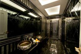 VRLWORKS – Ümit Aslan Villası Kemer: modern tarz Banyo
