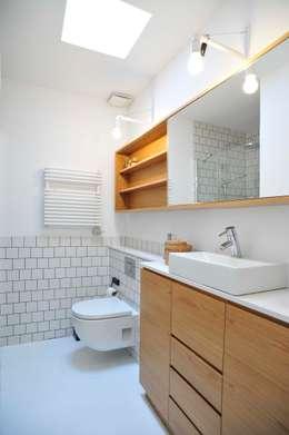 Baños de estilo clásico por BONBA studio