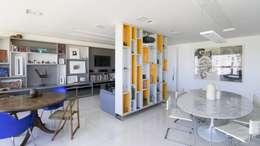 Residência T|R: Salas de estar modernas por VZ Arquitetas