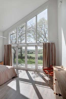 moderne Slaapkamer door Trewin Design Architects