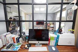 Ruang Kerja by DESIGNSTUDIO LIM_디자인스튜디오 림