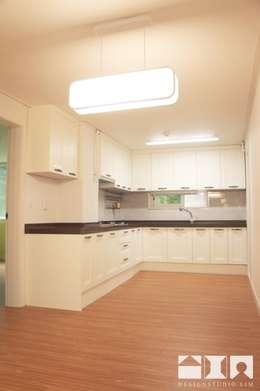 목동우성 아파트 리모델링 : DESIGNSTUDIO LIM_디자인스튜디오 림의  주방
