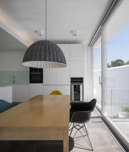 modern Dining room by MARLENE ULDSCHMIDT
