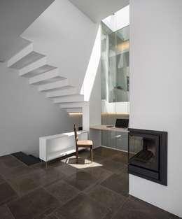modern Living room by MARLENE ULDSCHMIDT