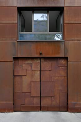 Ventanas de estilo  por Architekt Zoran Bodrozic