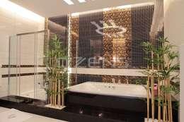 QZENS MOBİLYA – Keskin Konutu: modern tarz Banyo
