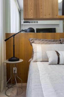 modern Bedroom by SESSO & DALANEZI